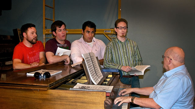 Left to right, Jacob Bronson as Jinx; Joseph Toon as Smudge; Rodrigo Cortes as Frankie; Eddie Hargreaves as Sparky, and SCT Artistic Director Jim Coleman at the Piano.
